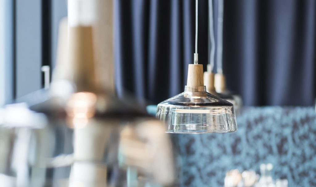 dreizehngrad Pendelleuchten Glasleuchten Glaslampen Designleuchten Restaurantbeleuchtung Hotelbeleuchtung Barbeleuchtung Leonardi Arabeska München