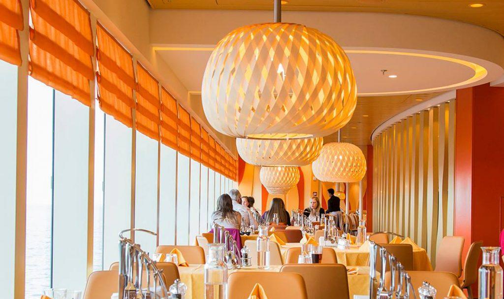 dreizehngrad handgefertigte Pendelleuchte Furnierleuchte Furnierlampe Designlampe Hotelbeleuchtung Restaurantbeleuchtung Kreuzfahrtschiff AIDA